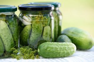 pickled-cucumbers-1520638_640